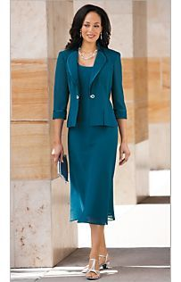 colour and style really nice Mother Of The Bride Suits, Mother Of Groom Dresses, Bride Groom Dress, Groom Outfit, Mothers Dresses, Bride Dresses, Clothes For Women Over 50, Mom Dress, Beautiful Dresses