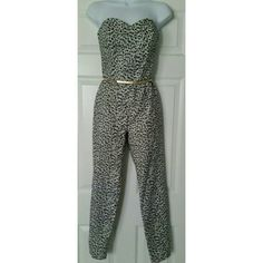 """NWT Michael KORS jumpsuit Gorgeous Michael Kors jumpsuit. This has a strapless sweetheart top. Crop ankle. Belt not included. All measurements laying flat...Pit to pit 14"""", waist 12.5"""" (look like a little bit of a higher waistline), inseam 28"""".  All measurements are approximate. Michael Kors Pants Jumpsuits & Rompers"""