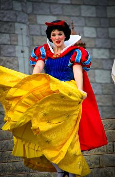 Snow White dancing