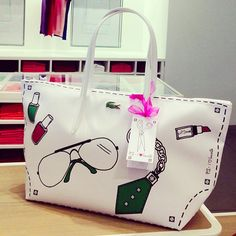 Gotta have this! Lacoste Clothing, Lacoste Bag, Luggage Bags, Tote Bags, Girls Bags, Hermes Birkin, My Bags, Diaper Bag, Pouch