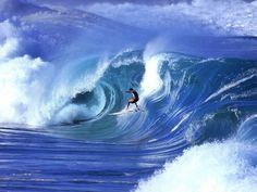 70 Stunning & Thrilling Photos for the Biggest Waves Ever Surfed