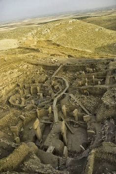 By Bethany Youngblood Gobekli Tepe http://www.world-archaeology.com/features/turkey-gobekli-tepe/  The semi-deserts of southea...