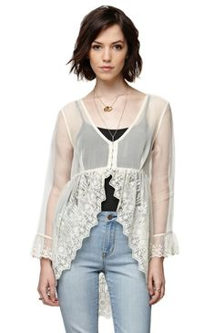 """The women'sNovelty Lace Fly Away Top by House of Harlow for PacSun and PacSun.com features a sheer construction and flowy fit. We love the delicate crochet detailing and light weight fabric. Wear this with our denim and bralettes for a cool boho look!27"""" length20"""" sleeve lengthMeasured from a size smallModel is 5'9"""" and wearing a small100% polyesterMachine washableImported"""