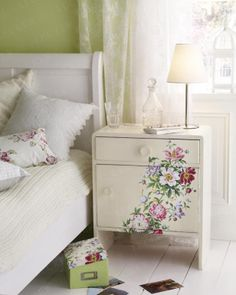 diy bedside table with floral decoupage from wrapping paper. @Naomi Francois Martin (granny chic)