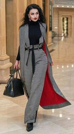 The Best Street Style Inspiration & More Details That Make the Difference Cool Street Fashion, Look Fashion, Hijab Fashion, Autumn Fashion, Street Style, Fashion Outfits, Womens Fashion, Fashion Design, Fashion Trends