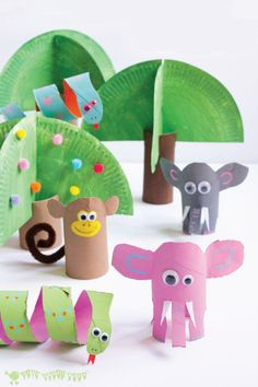 Your craft table will be like a collection of zoo fun when you and your kids check out this craft activity for Jungle Scene Playset using toilet paper rolls!