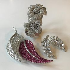 A touch of classFrom an elegant private collection of period jewels. Magnificent Jewels, Geneva 16 May. @christiesjewels @christiesinc #christiesjewels #christiesinc #christies #diamond #ruby #bangle #brooch #earrings #geneva