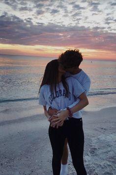 Cute Couples Photos, Cute Couple Pictures, Cute Couples Goals, Cute Couple Stories, Cute Boyfriend Pictures, Couple Ideas, Romantic Couples, Couple Goals Relationships, Relationship Goals Pictures