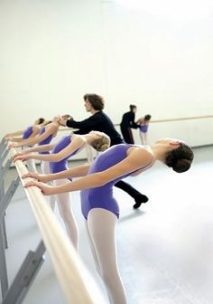 How to Be a #Dance #Mentor  www.balletshoesandbobbypins.com