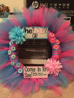Gender reveal wreath I made for my cousin! ❤️ #genderreveal #babyboy #babygirl…