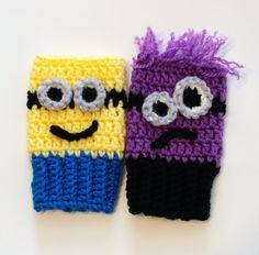 Minion Fingerless Glove Crochet PDF Pattern by PolkaDotCreek Fingerless Gloves Crochet Pattern, Fingerless Gloves Knitted, Crochet Mittens, Knit Crochet, Minion Crochet Patterns, Crochet Kids Hats, Crochet Stitches Patterns, Knifty Knitter, Knitting
