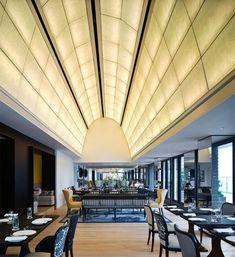SEVVA Rooftop Restaurant/Club in Hong Kong by Tsao & Mckown Architects Back Bar Design, Pub Design, Rooftop Restaurant, Restaurant Design, Rooftop Terrace, Vaulted Ceiling Lighting, Craftsman Lighting, Living Room Light Fixtures, Art Deco