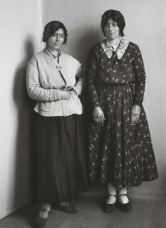 August Sander. Gypsy Women. c. 1930. August Sander, Photo Black, Black And White Pictures, Documentary Photographers, Portrait Photographers, November Revolution, Gypsy Women, Gypsy Life, Women In History