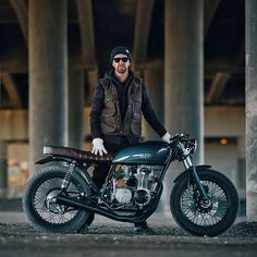Photographer Dave Lehl can't resist building things. So his father found a wrecked 1978 Honda CB550 for $500, and gave it to him for Christmas. This is the stunning result.