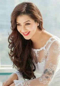 Hot and sexy TV serial actress from Indian television show bhabhi ji Ghar par hai Shilpa shinde as anguri bhabhi cute beautiful photos and w. Most Beautiful Faces, Beautiful Saree, Beautiful Gorgeous, Stunning Women, Sweet Girl Photo, Sweet Girls, Most Beautiful Bollywood Actress, Beautiful Actresses, Star Girl
