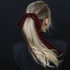 Haarschmuck und Haarteile - The Biggest Hair Trends 2018 - 10 Trendy Hair . Pretty Hairstyles, Easy Hairstyles, Hairstyle Short, Anime Hairstyles, Stylish Hairstyles, Hairstyles Videos, Hairstyles 2016, Hairstyle Wedding, Fashion Hairstyles