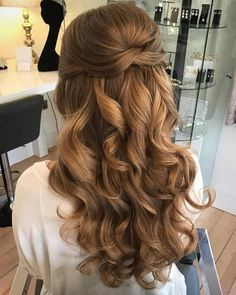 Hochzeit Haar Wedding hair images of bridal hair styles - hair style image Quince Hairstyles, Bride Hairstyles, Down Hairstyles, Hairstyle Wedding, Wedding Hairstyles Half Up Half Down, Half Up Half Down Hair Prom, Prom Hair Down, Curly Prom Hairstyles, Hairstyles For Homecoming
