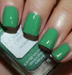 Revlon Perfumerie Scented Nail Enamel Lime Basil