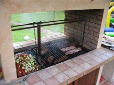 Grilling: 8 easy steps to your own barbecue Barbecue Area, Bbq Grill, Grilling, Argentina Grill, Parrilla Exterior, Diy Pizza Oven, Fire Pit Grill, Backyard Plan, Backyard Kitchen