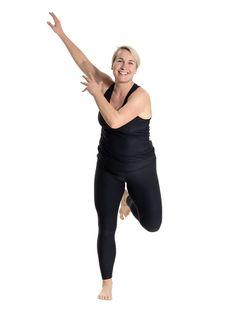 Kom i super form: Nemt træningsprogram, der kun tager 12 minutter Senior Fitness, Yoga Fitness, Fitness Tips, Fitness Motivation, Health Fitness, Fitness Routines, Bikini Fitness, Beauty And The Best, Natural Sleep Remedies