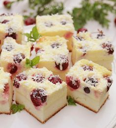 Prajitura cu branza dulce si cirese - Desert De Casa - Maria Popa Cheesecake, Candy, Cooking, Meal, Sweet, Toffee, Cheesecakes, Candy Notes, Kochen