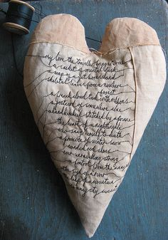 Best Romantic Valentine Days: Cute Christmas ornament - Home Decorations Sculpture Textile, Textile Art, I Love Heart, My Love, Bordados E Cia, Fabric Hearts, Felt Hearts, Heart Art, Be My Valentine