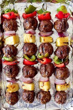 Shish Kabobs, Beef Kabobs, Skewers, Kebabs, Cuban Recipes, Beef Recipes, Cooking Recipes, Hawaiian Recipes, Skewer Recipes