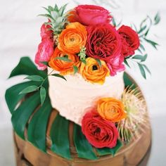 17 Tropical Wedding Cakes Perfect for Summer Weddings | Brit + Co