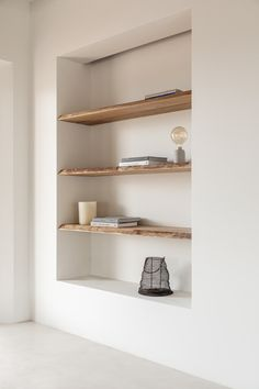 Home Living Room, Living Room Decor, Studio Living, Living Spaces, Br House, Minimalist Home, Minimalist Shelving, Minimalist Interior, Cheap Home Decor