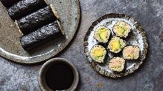 Days Roll your own brown rice tuna and avocado sushi - it's easy with this recipe. Use 6 oz. tuna (canned or fresh) and cup cooked brown rice to serve Sushi Recipes, Avocado Recipes, Rice Recipes, Appetizer Recipes, Make Your Own Sushi, How To Make Sushi, Food To Make, All You Need Is, Brown Rice Sushi