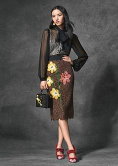 Chic Elegant Women Designer 2 pcs Set Fashion Bow Tie Sexy Blouses OL Chiffon Tops Shirts and A-line Sequins Floral Lace Skirts Love Fashion, Fashion Beauty, Fashion Show, Fashion Design, Lace Skirt, Lace Dress, Sexy Blouse, All Black Outfit, 2 Piece Outfits