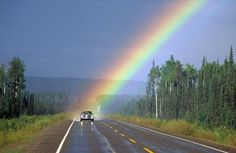 Somewhere Over the Rainbow Amor Universal, Cool Photos, Beautiful Pictures, Rainbow Photography, Photography Photos, Amazing Photography, Nature Photography, Photo D Art, Rainbow Wallpaper