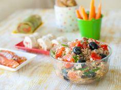 Салат  помидоры; тунец консервированный; лук сладкий; руккола; бальзамический уксус; оливковое масло.