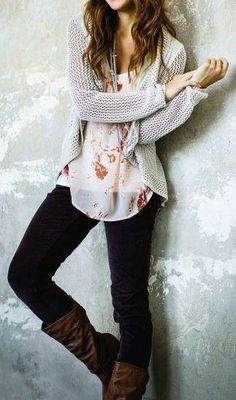 floral top / knit cardigan / black skinnies / brown boots