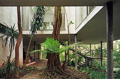 Residência Lina Bo Bardi (Casa de Vidro), Bairro Morumbi, São Paulo SP, 1949. Arquiteta Lina Bo Bardi