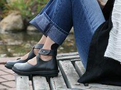 Trippen Vivienne    http://www.pedshoes.com/trippen_classic/trippen_classic.asp?productLineID=1=18=200=807#