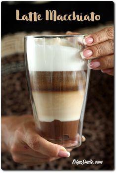 KAWA LATTE MACCHIATO. Dzisiaj klasyczny przepis, czyli kawa latte macchiato taka, jaką lubi większość moich znajomych. Dodatkowo moja kawa latte macchiato także Latte Macchiato, Iced Macchiato Recipe, Iced Mocha Recipe, Layered Drinks, Espresso Shot, Iced Latte, I Love Coffee, Menu Restaurant, Coffee Recipes