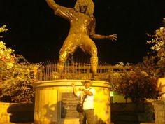 Monumento al Pibe.