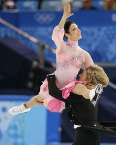 Meryl Davis and Charlie White (USA) compete in the ice dance short dance at the 2014 Winter Olympics
