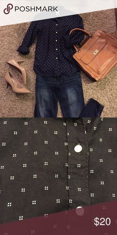 Dark Blue Button Down Very nice Gap button down with a white square fabric pattern. Looks black in photos but is actually dark blue. Only worn 2 or 3 times. Bundle and save! 💐 GAP Tops Button Down Shirts