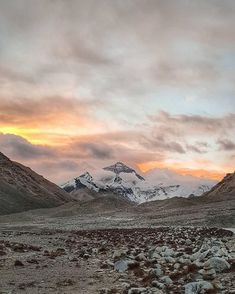 @david_ogui:  Sunrise with Mt.Everest! The photo is taken from 5150m to see a visible peak of 8848m, but it will never compare to seeing it with your own eyes 🙄🌄  .  Woke up at 7am in the morning and waited in the freezing cold (about -12°) for the clouds to clear. But a banging headache and numb fingers was worth the sight. I slept like a beautiful baby yak that evening 😴🐂  .  #tibet #kathmandu #everest #mountain #qomolangma #himalayas #clouds #sunrise #landscape #travel #travelgram…