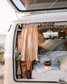 From the life / camping Van Life / Camping - Creative Vans Kombi Trailer, Kombi Motorhome, Van Life, Kombi Home, Sweet Home, Van Living, Living Room, Camping Car, Outdoor Camping