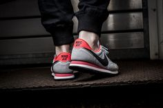 Girls, the Nike WMNS Air Pegasus '83 is available at our shop now! EU 36,5 - 41 | 85,-€