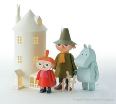 I can't read anything on this website but check out the insanely cute Moomin paper cut toys! Not familiar with the Finn Family Moomintroll? Check out the books by Tove Jansson More Moomin mad… 3d Paper, Origami Paper, Paper Toys, Craft Kits, Craft Projects, Les Moomins, Book Crafts, Diy Crafts, Tove Jansson