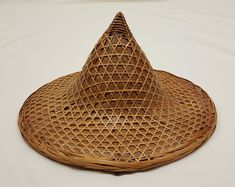 7f919438d82fe Vintage Asian Bamboo Straw Sun Farming Gardening Conical Coolie Hat Chinese  Hat
