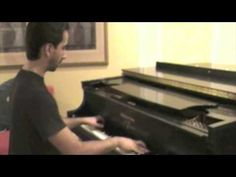 This guy is amazing!! Billboard Top 40 from last summer on the piano <3 No sheet music... AMAZING!