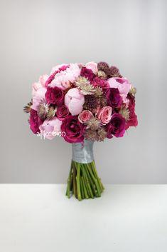 Fresh Flower Wedding Bouquet Astrantia, Flower Bouquet Wedding, Fresh Flowers, Decor, Valentines Day Weddings, Bouquets, Decoration, Dekoration, Inredning