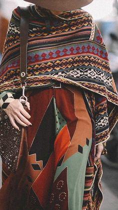 Street Style Outside Etro Runway Show — Sarah Styles Seattle Over 50 Womens Fashion, Fashion Tv, Moda Fashion, Fashion Outfits, Fashion Blogs, Fashion Ideas, Bohemian Style Clothing, Moda Boho, Knitwear Fashion