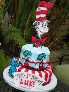 Plumeria Cake Studio: Dr. Seuss Birthday Cake featuring Cat in the Hat