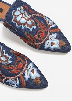 Floral embroidered denim loafers | MANGO